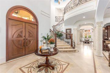 F Foyer